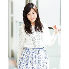 Idole, Cute Asian Girls, Shows, White Tops, Everyday Fashion, My Idol, Kawaii, Japan, Pretty