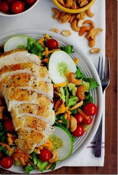 Chicken and salad #food #yummy For guide + advice on healthy lifestyle, visit www.thatdiary.com