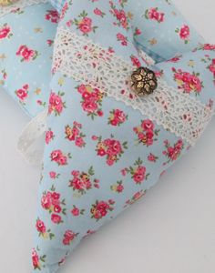 Country Cottage Chic Lavender Hearts Padded by AwfyBrawJewellery