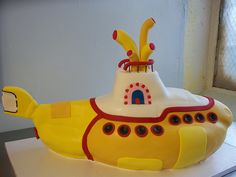 the beatles yellow submarine cake Beatles Birthday Party, Dad Birthday Cakes, Beatles Cake, The Beatles, Yellow Submarine Cake, Fun Party Themes, Character Cakes, Just Cakes, Baby Shower