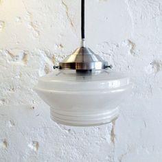 Lampe suspension ancien luminaire abat jour en verre dépoli... http://www.lanouvelleraffinerie.com/lustres-suspensions-vintage-seventis/1376-lampe-suspension-ancien-luminaire-abat-jour-en-verre-depoli.html