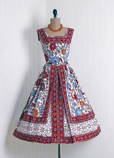50s vintage dress #dresses #vintage #50s #pleats #florals