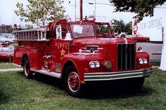 Antique Tractors, Fire Apparatus, Fire Trucks, Big, Strollers, Firetruck, Fire Engine, Fire Truck, Fire Extinguisher