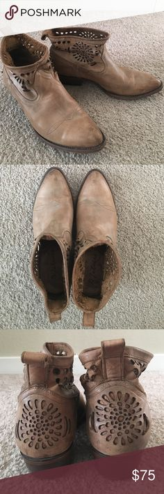 """Tan Matisse bookie/boots Nicely worn in.  Almond toe/leather sole/pull tab and awesome cutout dental around the ankle and back above the heel.  Approximate 1.5"""" heel & from top of heel to top of boot approximately 5"""" matisse Shoes Ankle Boots & Booties"""