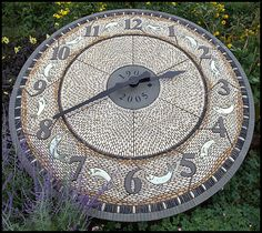 Maggy Howarth - Cobblestone Designs Pebble Clock Mosaic