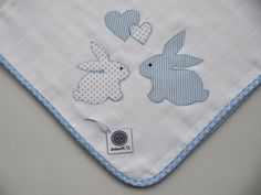 This post was discovered by An Baby Applique, Baby Embroidery, Applique Patterns, Applique Designs, Machine Embroidery, Quilt Baby, Amarillis, Baby Sheets, Patchwork Baby