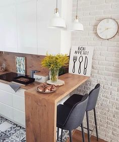 39 Exceptional Ways to Improve and Decorate with a Very Small Kitchen Design - kitchen bar Very Small Kitchen Design, Small Kitchen Tables, Modern Kitchen Design, Interior Design Kitchen, Small Space Interior Design, Small Space Kitchen, Interior Ideas, Studio Kitchen, Diy Kitchen