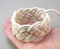 A Super Turk's Head Knotted Bracelet Tutorial