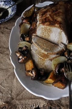 Pratos e Travessas: Grapes and rosemary marinated pork loin | Food, photography and stories