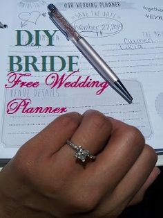 This website shows you how to put together your own wedding planner notebook. Includes links to downloadable free wedding planner printables.