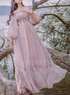 Tafforda 2017 Autumn New Literary Vintage Slash Collar Long Sleeved Strapless Female Dress Large Swing Vacation Fairy Dress Beautiful Gowns, Beautiful Outfits, Boho Fashion, Fashion Dresses, Gothic Fashion, Robes D'occasion, Fantasy Gowns, Fairy Dress, Mode Outfits