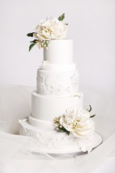 Wedding Cake Gallery with Enchanting Designs. http://www.modwedding.com/2014/03/08/wedding-cake-gallery-with-enchanting-designs/ #wedding #weddings #cake