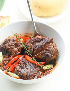 10 minutes prep to make this rich succulent fragrant braised Jamaican Short ribs stew and it's fall off the bone delicious! Short Rib Stew, Braised Short Ribs, Beef Short Ribs, Braised Beef, Slow Cooker Short Ribs, Cooking Short Ribs, Garlic Recipes, Rib Recipes, Dinner Recipes