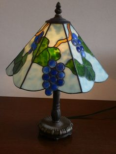 Stained Glass Lamp Shades, Stained Glass Light, Mosaic Glass, Fused Glass, Tiffany Lamp Shade, Small Lamp Shades, Glass Painting Designs, Tiffany Glass, Stained Glass Projects