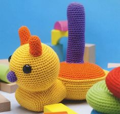 Crochet Bebe, Diy Toys, Lana, Dinosaur Stuffed Animal, Beanie, Kids, Crochet Ideas, Animals, Bottle Art