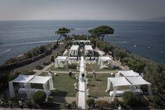 Matrimonio da sogno a Villa Angelina. Rito nuziale all'aperto in stile americano