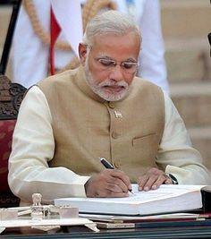 PM #Modi seeks #Saudi #help for #evacuation of 400 #Indians from #Yemen http://www.gujaratheadline.com/pm-modi-seeks-saudi-help-fo…/