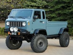 Vintage Trucks Unveiled at last year's Easter Jeep Safari, the rugged aesthetics of this off road machine were inspired by the classic Jeep Forward Control and models. Jeep Willys, Jeep 4x4, Jeep Truck, Cool Jeeps, Cool Trucks, Big Trucks, Pickup Trucks, Jeep Concept, Concept Cars
