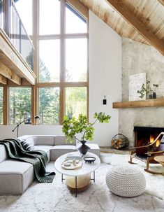 Before And After: A Californian Mountain Living Room Gets A Scandi Makeover (my scandinavian home) Interior Design Living Room, Living Room Designs, Living Room Decor, Home Design, Rustic Home Interiors, Scandinavian Home Interiors, Beautiful Home Interiors, Beautiful Interior Design, Interior Design Inspiration