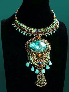 This necklace!