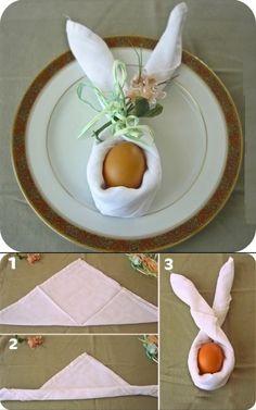 Как сложить салфетку в виде зайца?