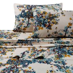 Enjoy a luxe repose with the spring fresh floral Tribeca Living Casablanca Premium Cotton Deep Pocket Sheet Set. It will add vivid color to your bedroom and the fitted sheet has deep pockets and a full elastic lining to keep it in place. Twin Xl Sheet Sets, Twin Sheets, King Sheet Sets, Flat Sheets, Bed Sheets, Queen Sheets, Organic Cotton Sheets, Egyptian Cotton Sheets, Deep Pocket Sheets