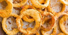 How many Onion Rings can You Eat? I Can Eat 30 Of Them. How to Make Crispy Baked Onion Rings. Made in the oven, not the frier. Much healthier! Baked Onion Rings, Healthy Onion Rings, Appetizer Recipes, Appetizers, Baked Onions, Crispy Onions, Sallys Baking Addiction, Cooking Recipes, Healthy Recipes