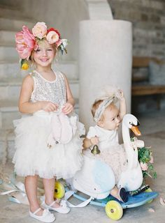 Swan Theme California Vineyard Wedding - MODwedding