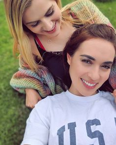 Credit to : Sometimes I find it really hard to push myself. I'm an anxious person who's scared of most things ESPECIALLY LIFE. Cute Lesbian Couples, Cute Couples Goals, Scared Of Flying, Rose And Rosie, Celebs, Celebrities, Celebrity Crush, Hair Styles, People