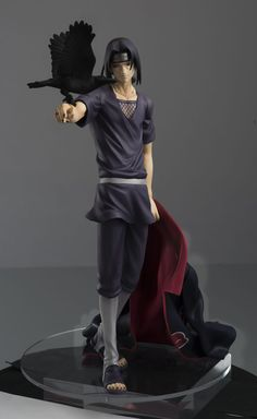 G.E.M. Series Naruto Shippuden Itachi Uchiha- Itachi is the newest G.E.M figure! With his Akatsuki cloak in one hand and a crow on the other, this figure brings out the silent and mysterious charm of Itachi!  As a display piece, it goes perfectly with the Sasuke G.E.M, which got a second production run!  Height 240 mm (about 9.45 inches)