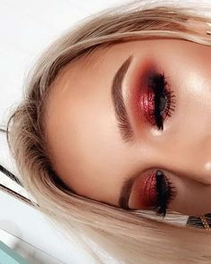 ☆P I N T E R E S T : @ellemartinez99☆ Red Eyeshadow Makeup, Red Glitter Eyeshadow, Copper Eye Makeup, Eye Makeup Art, Bright Eye Makeup, Grunge Eye Makeup, Makeup Inspo, Red Eyeshadow Palette, Makeup Light
