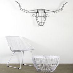 Long Horn Trophy Head in black wire.
