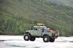 I allways liked the FJs. Had an FJ40 years ago wish I would of keeped it!