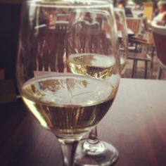 Lekker wijntje op het terras! #deventer