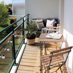 55 + balcony planters for your beautiful house / apartment - inspiring wo . 55 + balcony planters for your beautiful house / apartment - inspiring wo . Small Balcony Design, Small Balcony Decor, Small Patio, Small Terrace, Balcony Ideas, Patio Ideas, Modern Balcony, Small Balconies, Apartment Balcony Decorating