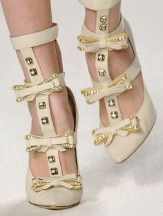 lamorbidezza:  Shoes at Chloe Fall 2009