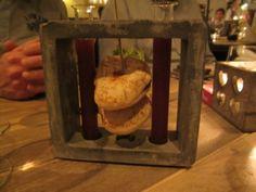 Aardbeiensoep met broodje shoarma