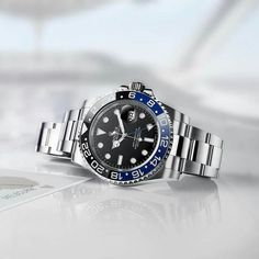 Rolex watches are crafted from the finest raw materials and assembled with scrupulous attention to detail. Discover the Rolex collection on the Official Rolex Website. Dream Watches, Sport Watches, Luxury Watches, Cool Watches, Rolex Watches, Watches For Men, Watch Travel Case, Rolex Batman, Shopping