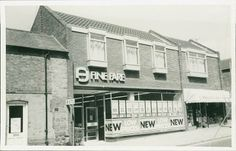 Fine Fare Supermarket. My mum used to shop here.