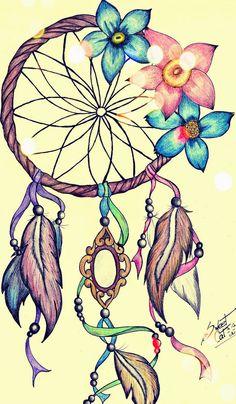 Qué es un Atrapasueños: Un atrapasueños es un objeto originario del pueblo ojibwa (uno de los pueblos nativos de América del Norte). Está compuesto por un aro circular sobre el que se teje una red en forma de tela de araña y se suele decorar con plumas y cuentas. Algunas personas, le otorgan propiedades …