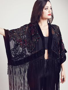 Velvet Fringe Kimono The Black Butterfly by shevamps on Etsy Fringe Kimono, Boho Kimono, Kimono Fashion, Cute Fashion, Fashion Dresses, Bohemian Culture, Plus Size Summer Outfit, Dope Outfits, Alternative Fashion