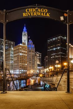 Strolling along the Chicago River. Photo by Michael Muraz