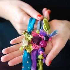 How to Make Colorful DIY Bracelets from Fabric Scraps