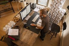 Your job and work environment impact your health more than you may think. Stress, immobility, and long hours in the workplace can lead to weight gain, according to research. Job stress can also interfere with your ability to lose weight. Feng Shui, Diy Standing Desk, Treadmill Desk, Improve Yourself, How Are You Feeling, Furniture, Home Decor, Healthy Habits, Stay Healthy