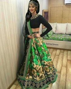 All Ethnic Customization with Hand Embroidery & beautiful Zardosi Art by Expert & Experienced Artist That reflect in Blouse , Lehenga & Sarees Designer creativity that will sunshine You & your Party Worldwide Delivery. Pakistani Lehenga, Lehenga Choli, Anarkali, Sari, Indian Wedding Outfits, Indian Outfits, Mehendi Outfits, Floral Lehenga, Green Lehenga