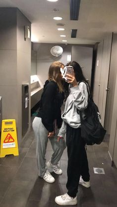 bffs - best friends goals - Source by fitnesssdd goals bff Bff Pics, Photos Bff, Cute Friend Pictures, Friend Photos, Cute Photos, Cute Bestfriend Pictures, Couple Pictures, Beautiful Pictures, Funny Pictures