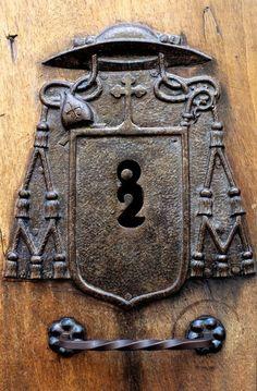 Ornate Keyhole, Spain