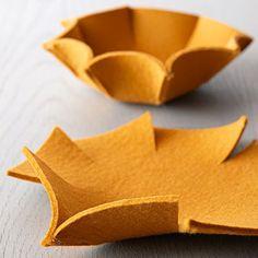 Imprime el patrón y haz este precioso cuenco decorativo para usar en todas las estancias de tu hogar. Guarda todo lo que quieras y aprende a trabajar con fieltro más grueso.