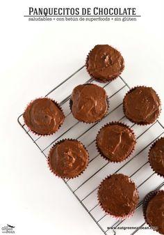 Panquecitos de Chocolate con Betún de Superfoods