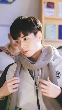 Hu Yi Tian is love~ Handsome Actors, Hot Actors, Handsome Boys, Asian Actors, Korean Actors, China Movie, Chines Drama, A Love So Beautiful, Daddy Long